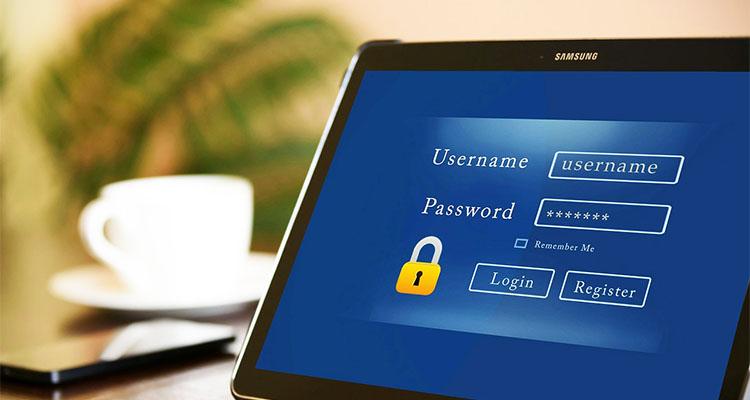 パスワードの入力を求めるタブレット