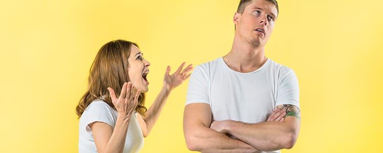 パパ活がバレて妻に問いただされる夫