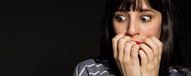 パパ活の危険に恐怖する女性